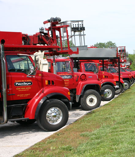 Piros Signs Boom Trucks