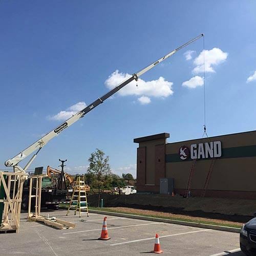 Gander Mtn Sign Installation